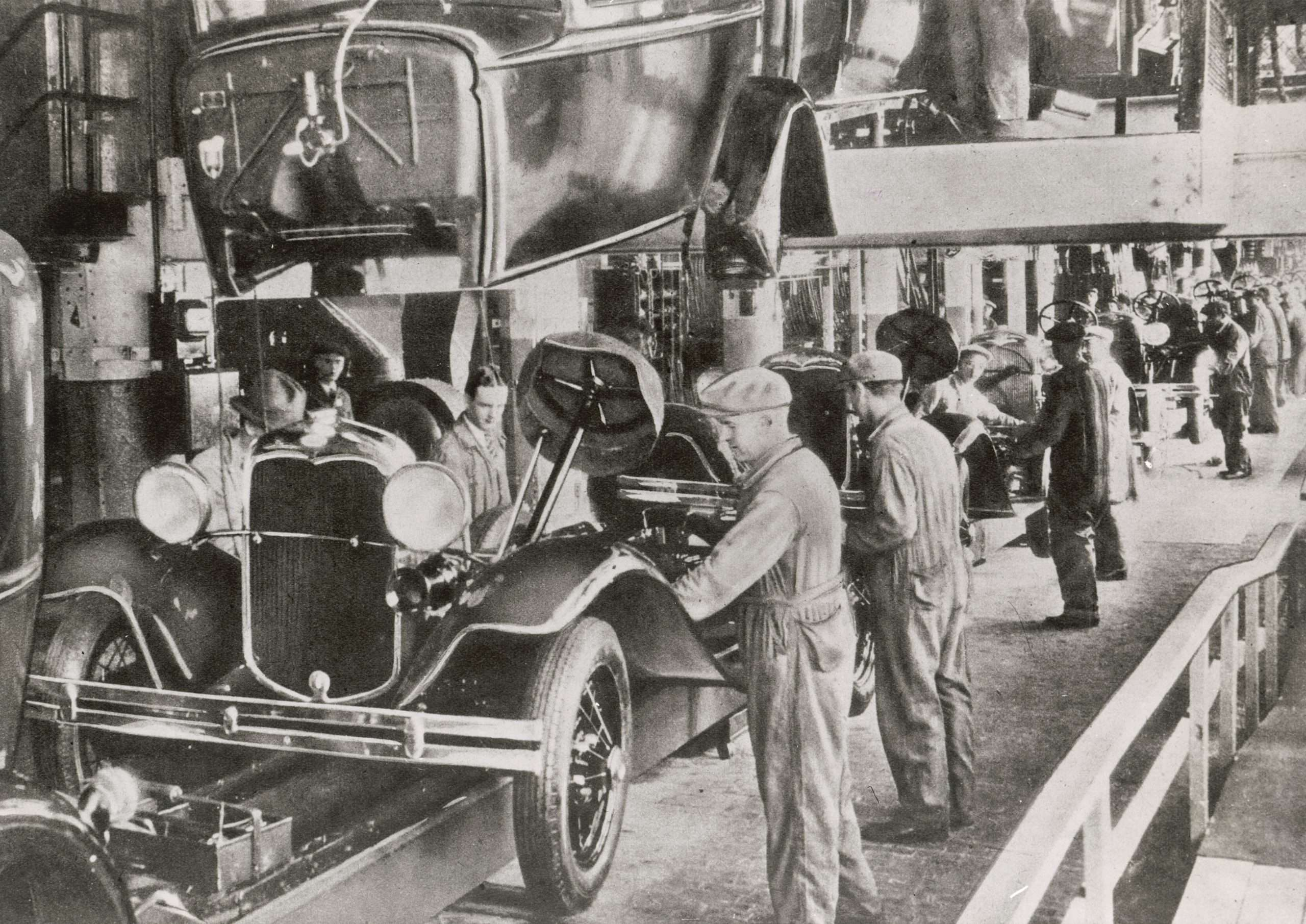 Ford Model T Assembly Line - Mass Production